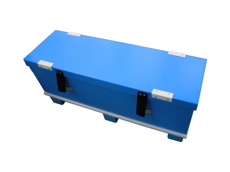 フォークリフトで運搬可能な保冷箱